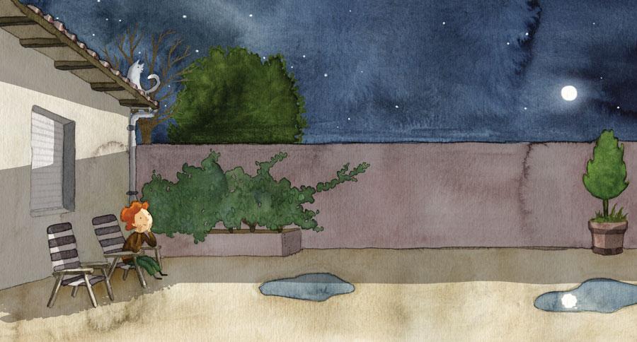 Child looking at the moon in a back yard - Niño mirando la luna en un patio